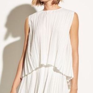 Vince sleeveless pleated off white blouse